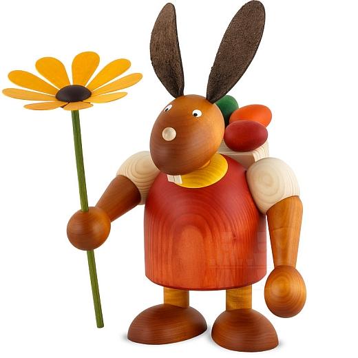Maxi Hase rot mit Kiepe und Blume 24 cm