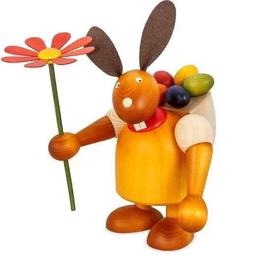 Maxi Hase gelb mit Kiepe und Blume 24 cm