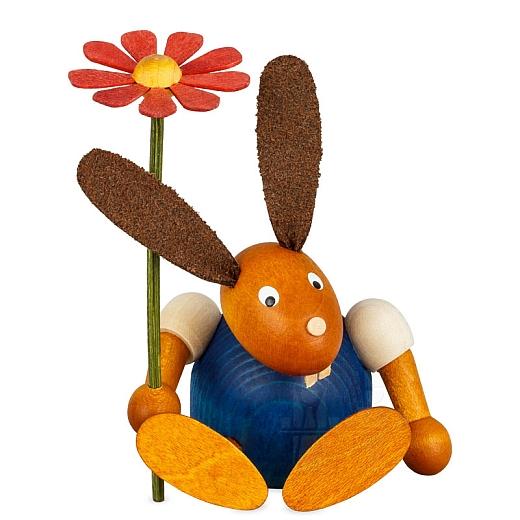 Hase blau mit Blume sitzend 7 cm