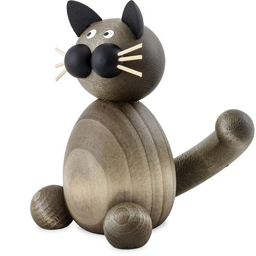 Katze Karli sitzend