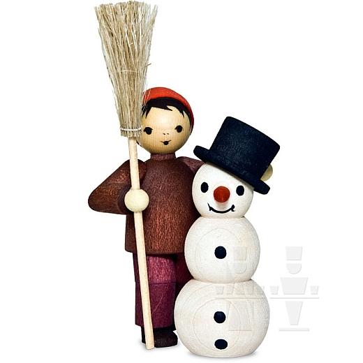 Junge mit Schneemann und Besen • gebeizt