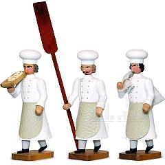 Bäckermeister mit Stollenschieber, Mehlsack, Trog