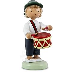 Junge mit Trommel