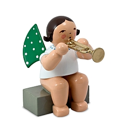 Engel mit Trompete, sitzend