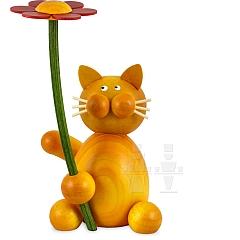 Katze Emmi mit Blume