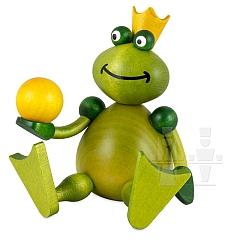Froschkönig sitzend