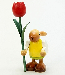 Häsin mit Tulpe