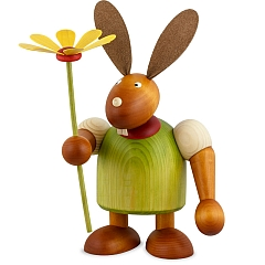 Maxi Hase grün mit Blume 24 cm