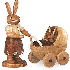 Hasenmutter mit Kinderwagen, klein natur