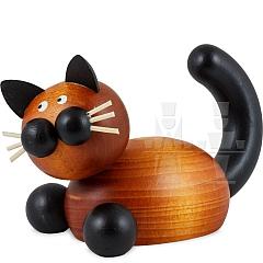 Katze Bommel auf der Lauer