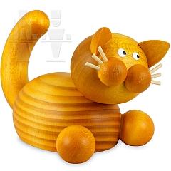 Katze Emmi auf der Lauer
