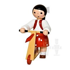 Mädchen mit Roller