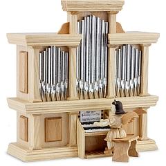 Kurzrockengel Naturholz an der Orgel mit Spielwerk