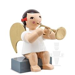 Schleifenengel sitzend mit Trompete