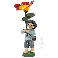 Gartenblumenjunge mit Kresse