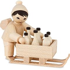 Junge mit Flaschenschlitten natur von Ulmik